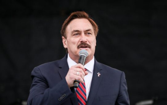 Mike Lindell: Costco Has Stopped Selling MyPillow Products-by The Epoch Times